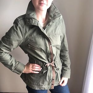 H&M Army Green Utility Jacket & Coat with silver snaps & front zipper - Size 8